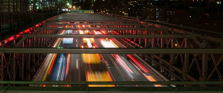 Brooklyn-bridge-new-york-trafic