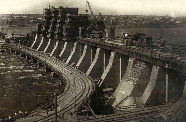 Dniepr-barrage-ukraine-construction