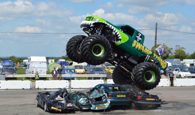 Monster-truck-destruction-voitures-etats-unis